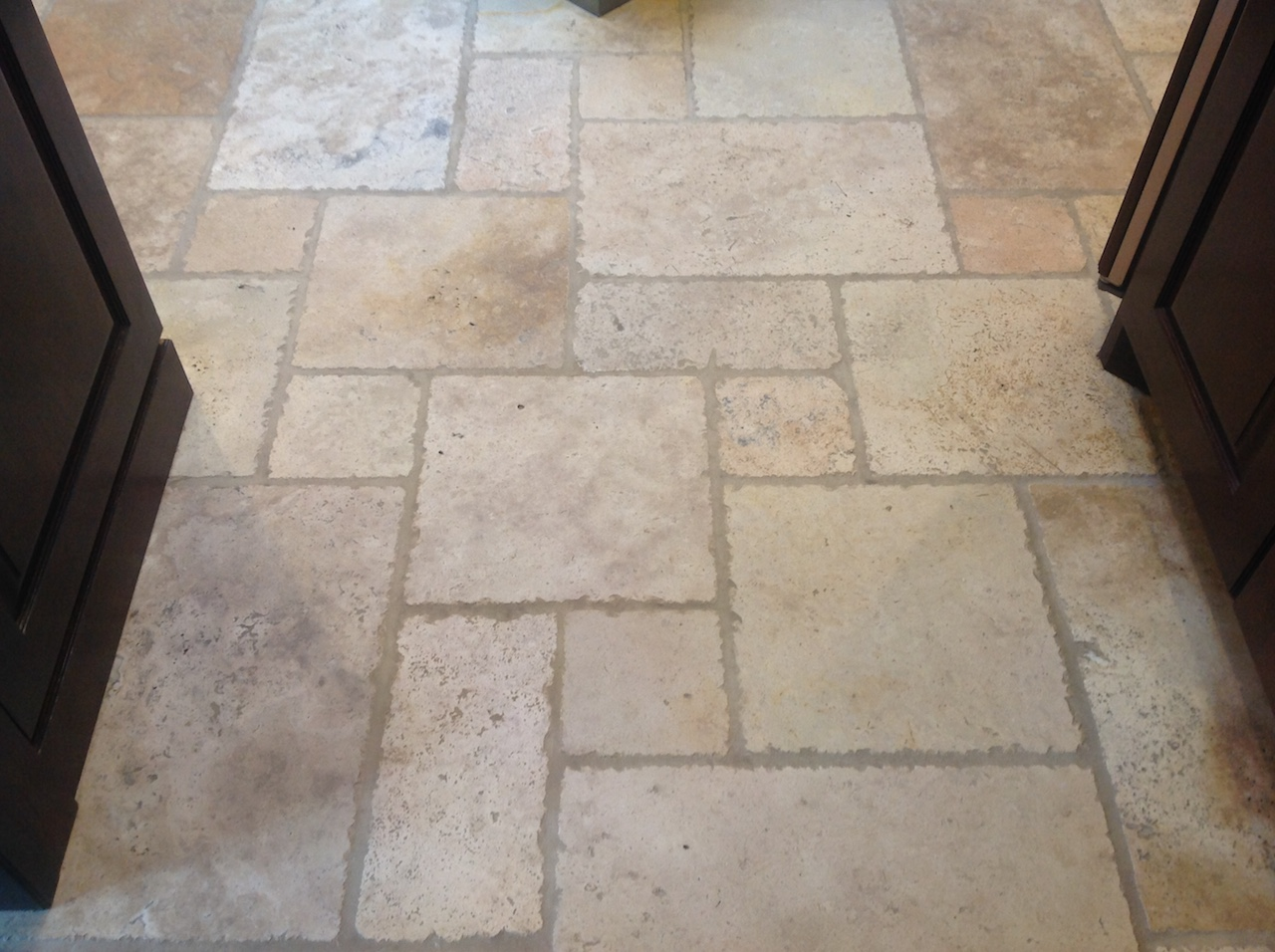 After cleaning the travertine look great once again